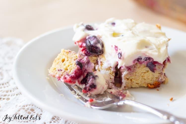 Keto Berry Cake