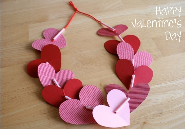 construction paper heart necklace project