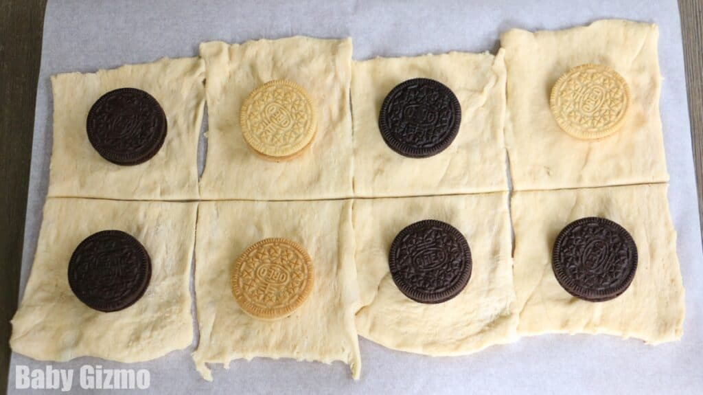 oreo cookies on crescent roll dough