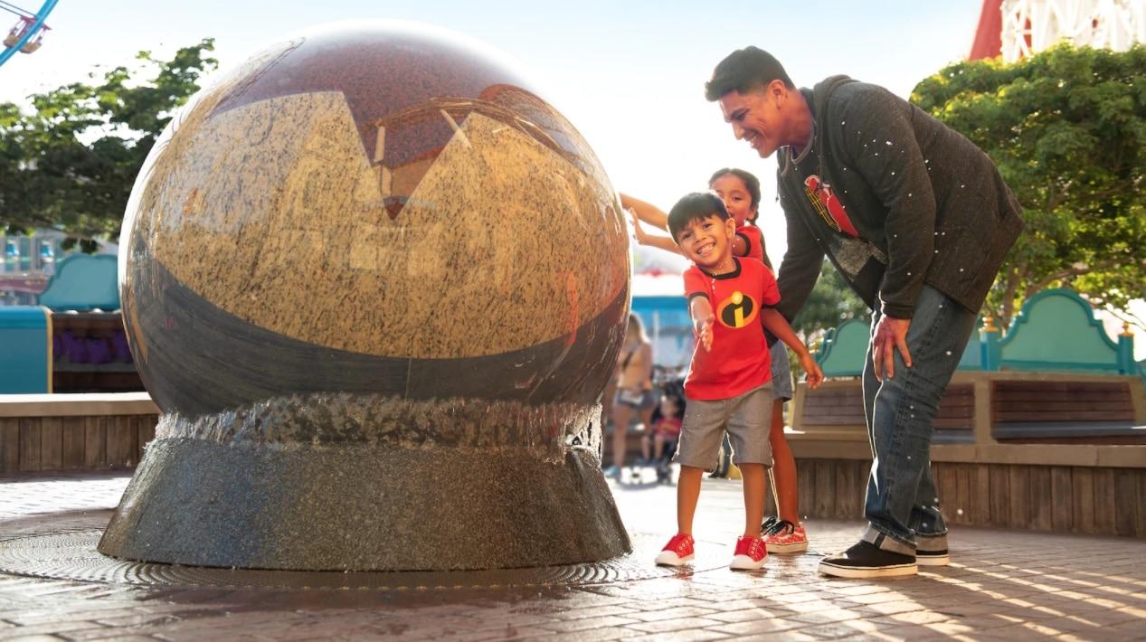 luxo ball water fountain disneyland