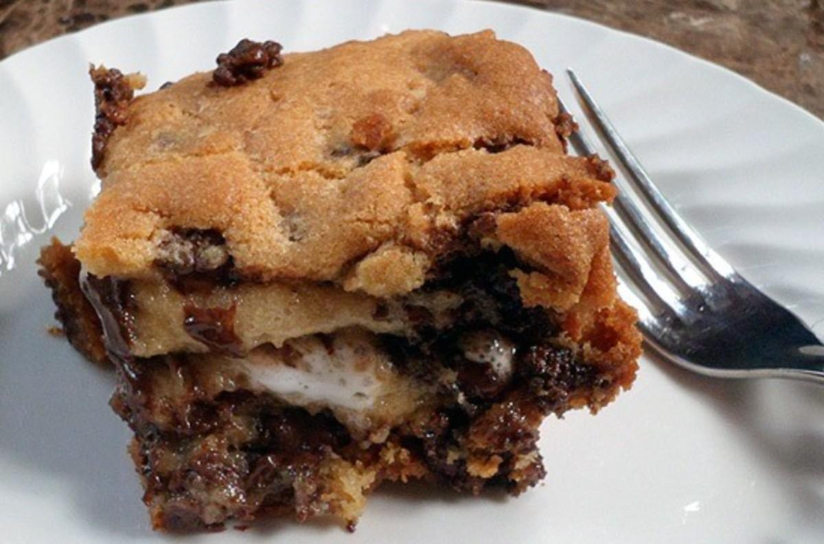 Cookie Dough Smores Dessert