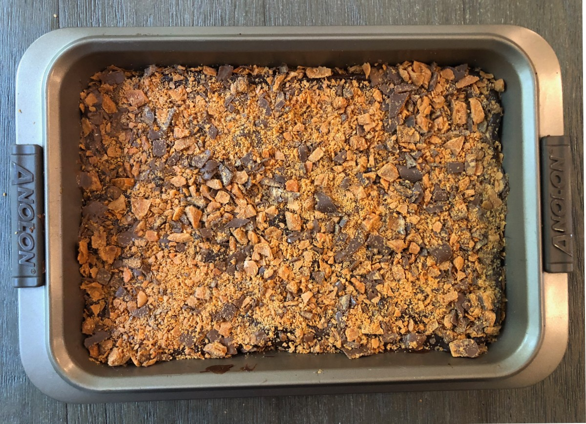 Butterfinger Cookie bars in a pan