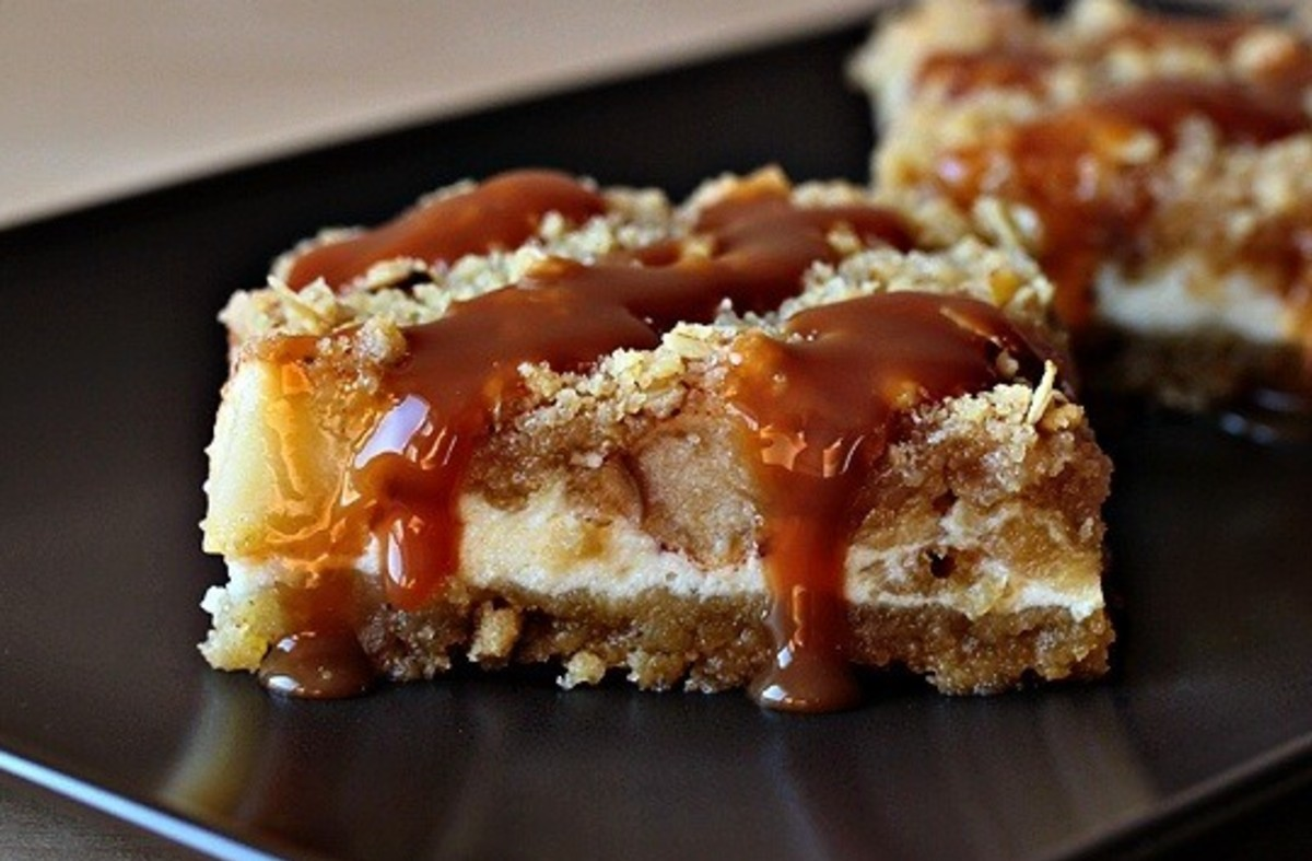 Apple Cheesecake Cookie Bars