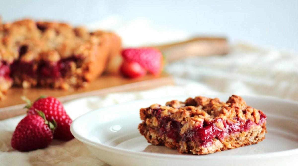 Strawberry Honey Oatmeal Bars