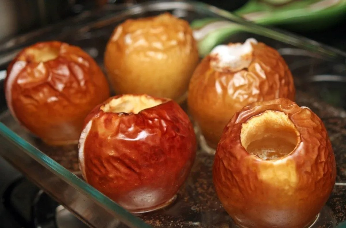 4 The Versatile Baked Apple in a glass tray