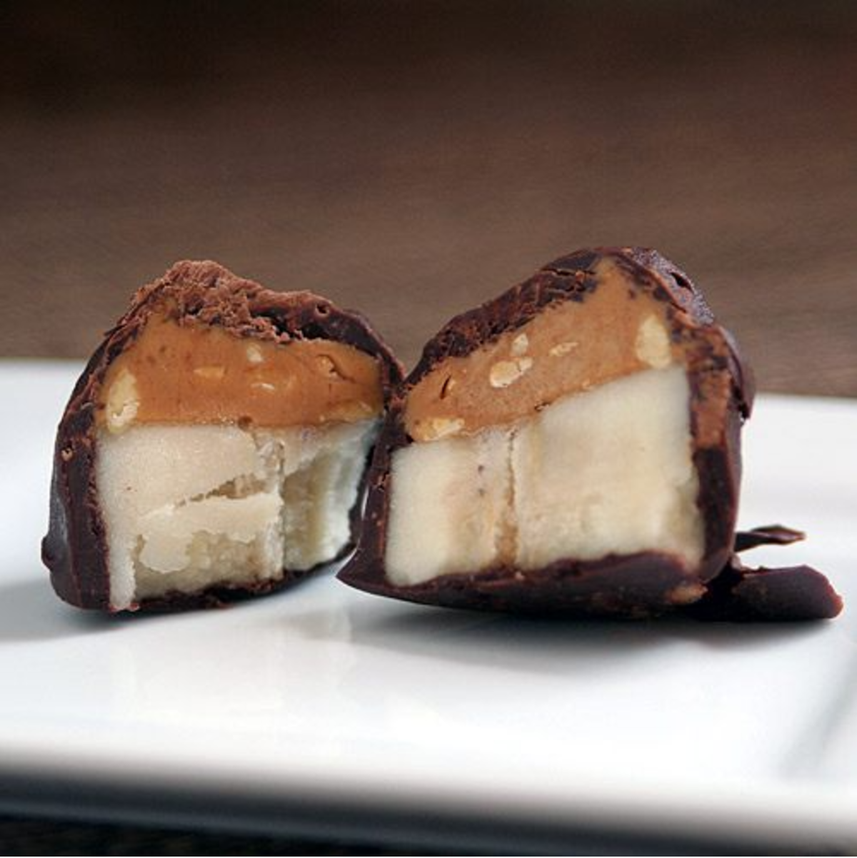peanut butter banana bites cut in half