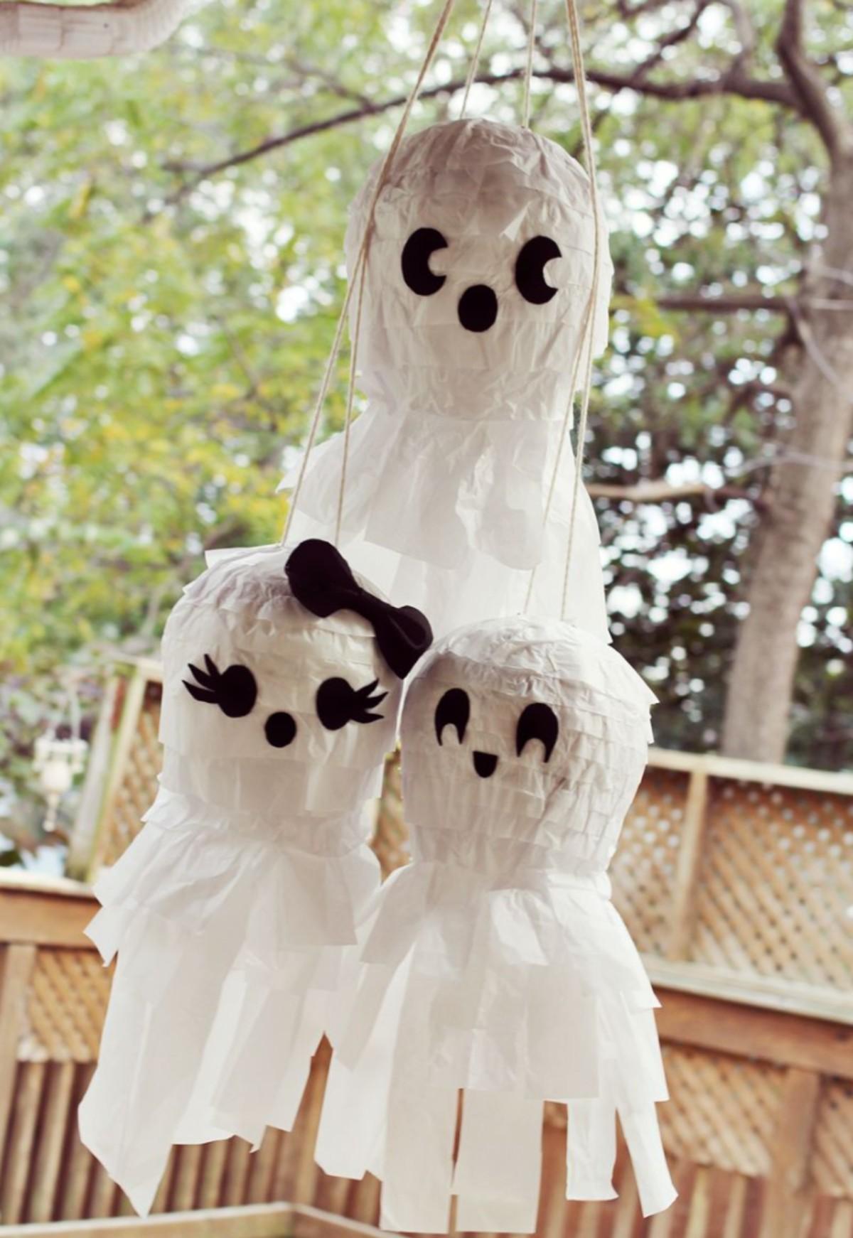 Ghost pinata Family