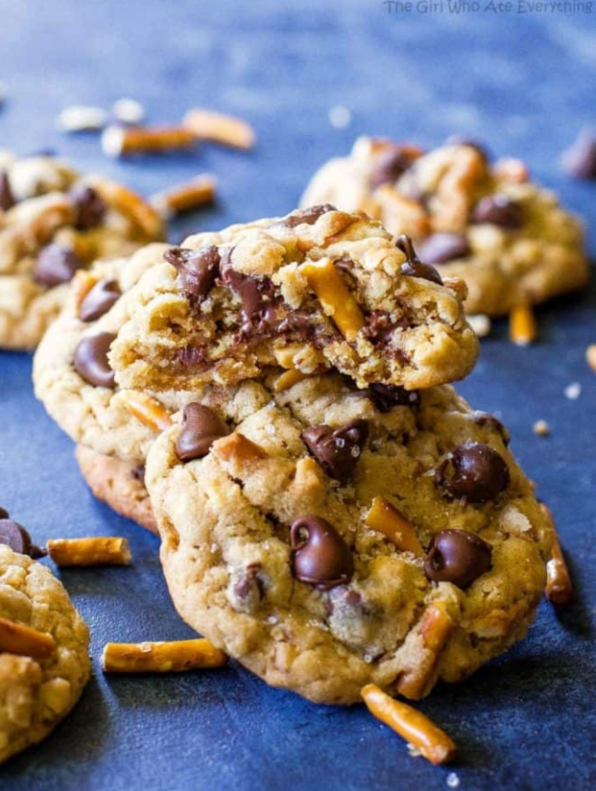 chocolate and peanut butter chip pretzel cookies
