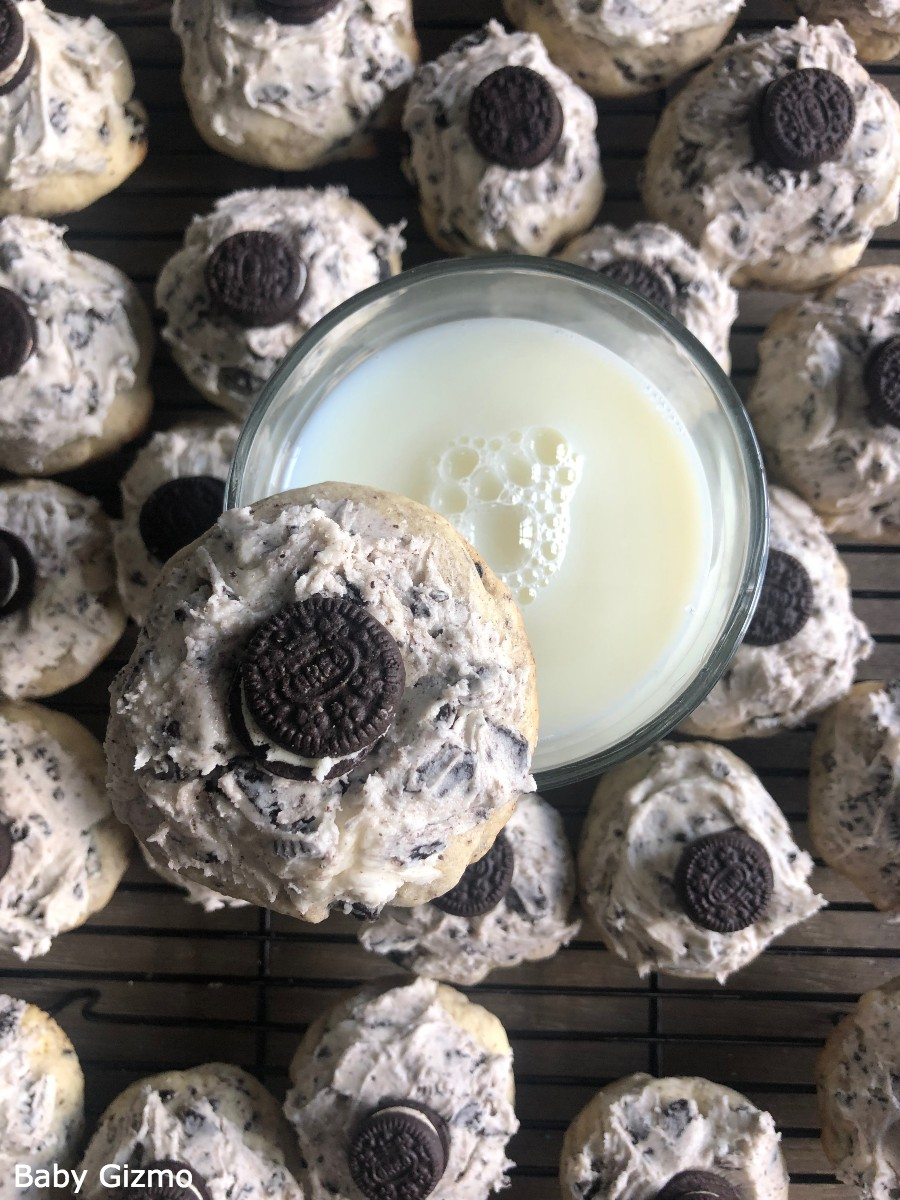 Cookies and Cream Oreo Cookies