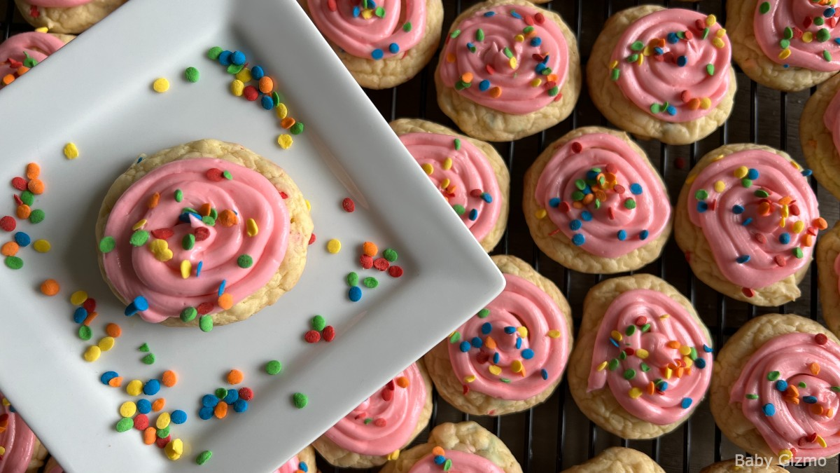 Crumbl Confetti Cake Cookies